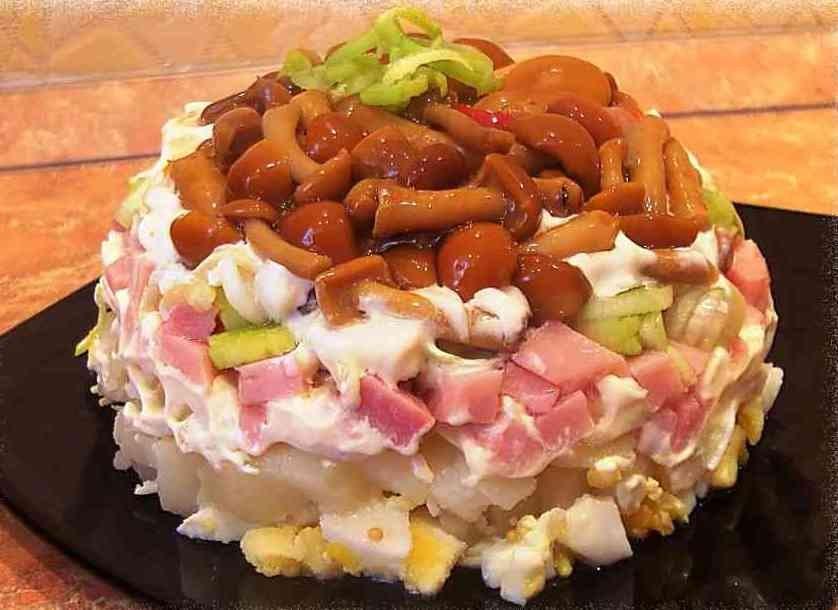 Салат с маринованными грибами опятами рецепт с
